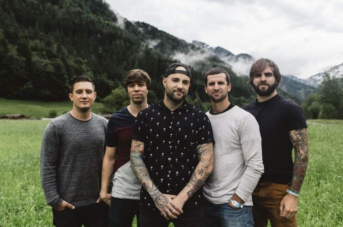 [+]AUGUST BURNS RED ^us^[+] [-]+ OCEANS ATE ALASKA ^uk^[-]
