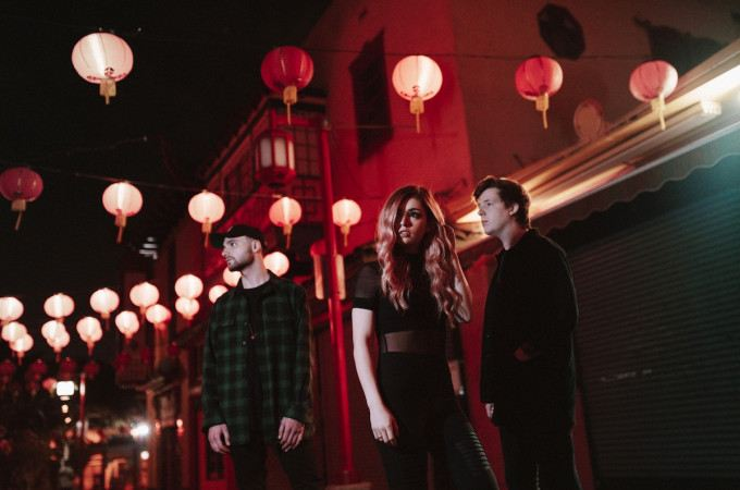 [+]AGAINST THE CURRENT ^us^[+] + THE FAIM ^au^