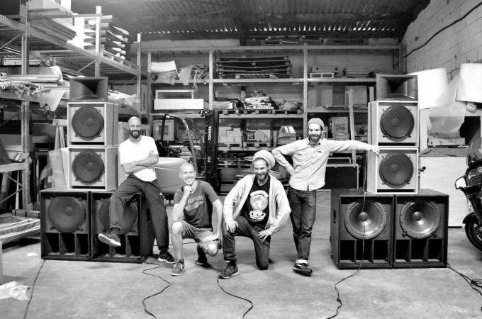 [-]Roots Yard presents:[-]  [+]Blackbird Sound - Flight One![+]