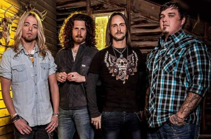 [+]BLACK STONE CHERRY ^us^[+] [-]+ TOSELAND ^uk^[-]