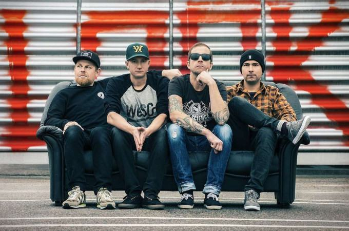 [+]MILLENCOLIN ^swe^[+] + APOLOGIES, I HAVE NONE^uk^ + THE SIGOURNEY WEAVERS^swe^