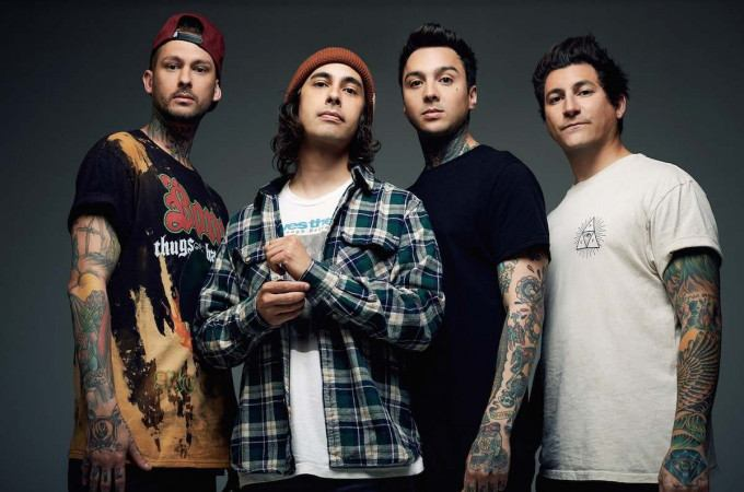 [+]PIERCE THE VEIL ^us^[+] [-]+ LETLIVE ^us^ + CREEPER ^uk^[-]