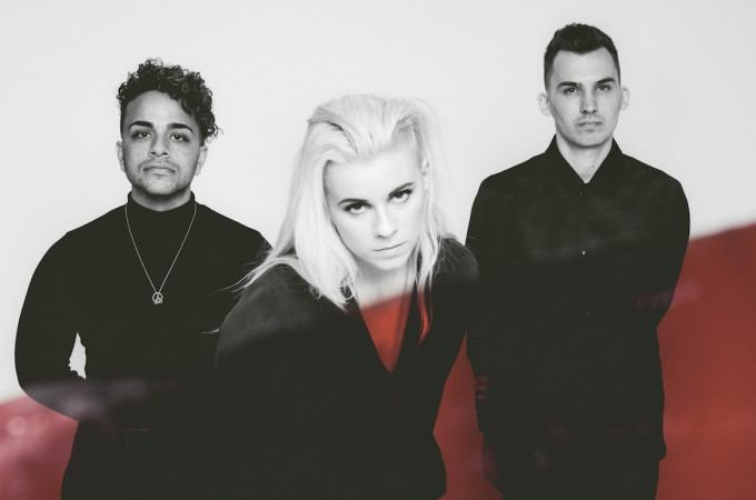 [+]PVRIS ^us^[+] [-]+ VUKOVI ^uk^[-]