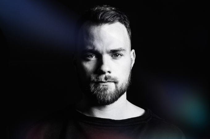 [+]ÁSGEIR ^is^[+] [-]+ GORDI ^au^[-]
